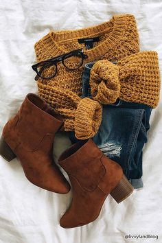 Mustard Waffle-Knit Sweater | Skinny Jeans | Brown Suede Heeled Booties