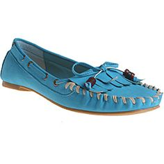@Overstock - A butterfly bow-tie and darling fringe highlight these chic flats from Refresh by Beston. Constructed of soft faux leather, these flats are finished with a slightly padded footbed for comfortable styling.http://www.overstock.com/Clothing-Shoes/Refresh-by-Beston-Womens-Bonita-Blue-Fringed-Loafers/6691213/product.html?CID=214117 $27.99