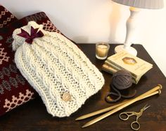 Warm us up please! by Doodle Alley on Etsy La Rive, Bedroom Accessories, Knit Crochet, Water Bottle, Doodles, Tapestry, Cozy, Warm, Hand Made