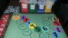 30 Ideias para reforçar números, letras e formas geométricas. - Educação Infantil - Aluno On Number Activities, Activities For Kids, Kindergarten, Preschool, Projects To Try, Kids Rugs, Teaching, Math, Alice