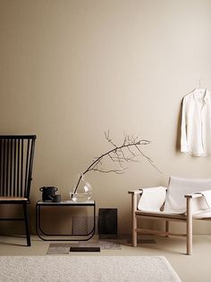 minimalist home design Beige Tan Living Room With Black Accents Room Colors, Wall Colors, Earth Tone Decor, Beige Room, Beige Walls Bedroom, Interior Styling, Interior Design, Color Interior, Interior Minimalista