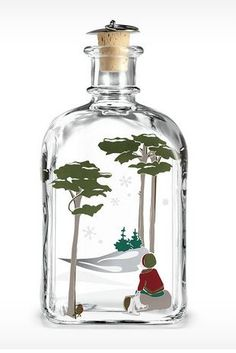 Buy Christmas bottle 2014 from Danish Porcelain House. Whisky, Shops, Interiors Online, Liqueur, Christmas 2014, Danish Design, Hand Blown Glass, Wine Decanter, Green Colors