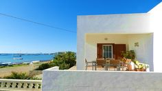 Formenterarustick Paraiso Natural, Mansions, House Styles, Outdoor Decor, Home Decor, Style At Home, Vacations, Apartments, Houses