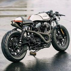 Awesome!!! This is the best bike i've seen in this style! Comment before mine: Suzuki from @maltsevsergey.