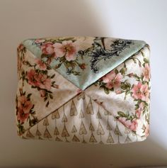 monedero mirabelle base Fabric Purses, Fabric Bags, Frame Purse, Embroidery Motifs, Floral Tie, Coin Purse, Decorative Boxes, Patches, Sewing