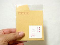 size:85×95m 3枚入りmaterial: 紙茶封筒のテトラタイプです。事務用品やお菓子など立体物を渡したい時に最適です! ※郵送する事は出来ません。