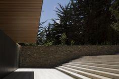 Casa Rocas / Studio MK27 + Renata Furlanetto