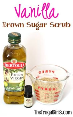 Vanilla Brown Sugar Hand and Foot Scrub! give your hands and feet a little TLC or make another fabulous Gift in a Jar! Diy Body Scrub, Diy Scrub, Hand Scrub, Brown Sugar Scrub, Diy Masque, Homemade Scrub, Homemade Gifts, Sugar Scrub Recipe, Homemade Beauty Products