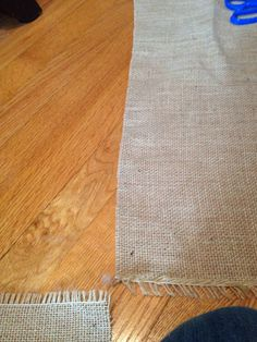 How to cut burlap without fraying (and straight) #DIY #Burlap