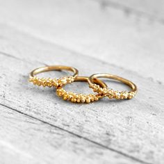 Vergoldete Ringe - PUKA Ring mit Kügelchen   gold - ein Designerstück von koshikira bei DaWanda