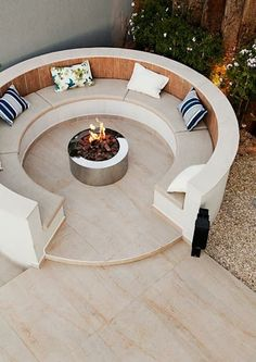 25 With Spring Coming, Here Are Outdoor Fire Pit Ideas For Y. - 25 With Spring Coming, Here Are Outdoor Fire Pit Ideas For Your Backyard - Fire Pit Seating, Backyard Seating, Garden Seating, Backyard Landscaping, Backyard Ideas, Firepit Ideas, Fire Pit Table, Garden Sofa, Patio Ideas