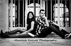 Cute pose for couples Cute Couple Poses, Cute Poses, Couple Posing, Christmas Couple, Christmas Pictures, Pic Pose, Couple Pictures, Engagement Photos, Family Photos