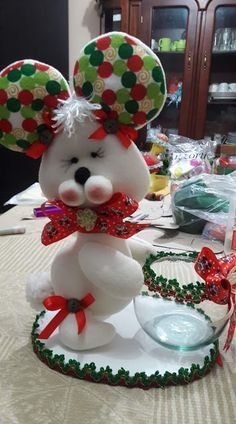 Holiday Crafts, Holiday Decor, Country Christmas Decorations, Plastic Bottle Crafts, Christmas 2019, Diy And Crafts, Diy Projects, Felt Projects, Crafty