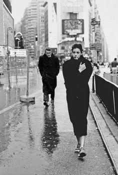 Ντύσου καλά ... Υπάρχουν κρύοι άνθρωποι εκεί έξω...