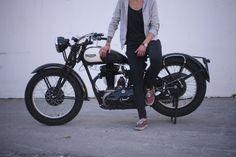 Classic Moto Restore_Triumph HW 350cc