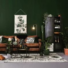 Inspiration for the living room - Makeover.nl Living room / inspiration / id . Dark Green Living Room, Dark Green Walls, Green Rooms, Living Room Colors, New Living Room, Interior Design Living Room, Living Room Designs, Living Room Decor, Green Living Room Ideas