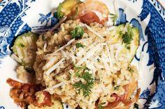 Kijk wat een lekker recept ik heb gevonden op Allerhande! Risotto met bacon en courgette Bacon, Potato Salad, Couscous, Potatoes, Pasta, Meat, Chicken, Ethnic Recipes, Food