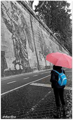 """La Street art a Roma - Il recente murale sul Tevere di WILLIAM KENTRIDGE """"Triumphs and Laments"""""""