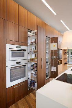 Kitchen cabinets, refacing kitchen cabinets і luxury kitchen design. Kitchen Room Design, Kitchen Cabinet Design, Modern Kitchen Design, Home Decor Kitchen, Interior Design Kitchen, Home Kitchens, Kitchen Ideas, Kitchen Inspiration, Galley Kitchens