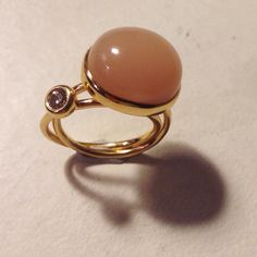 Mother/child ring 18k Gold, Diamond and Moonstone