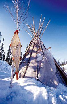 Nuitée sous le tipi en hiver au Canada by AuthentikCanada, via Flickr