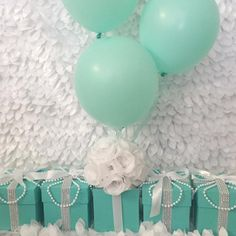 These centerpieces are perfect for your Baby & Co. Themed shower or gender reveal party. Available in pink and blue, blue and white, or any custom color com