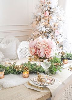 Deluxe Artificial Lamb's Ear and Twig Garland – – Diy Garland 2020 Diy Garland, Garland Wedding, Wedding Flowers, Wedding Decorations, Wedding Greenery, Garlands, Silk Peonies, Silk Flowers, Dried Flowers