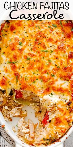 This savory and cheesy Chicken Fajitas Casserole is a staple chicken dinner recipe. It's such an easy way to make chicken fajitas that will have everyone asking for the recipe! #chickenfajitas #chickencasserole #fajitas #chickendinner Chicken Fajita Rezept, Easy Chicken Fajitas, Chicken Fajita Casserole, Chicken Recipes, Keto Chicken, Rotisserie Chicken, Healthy Chicken, Grilled Chicken, Chicken Fajitas Seasoning