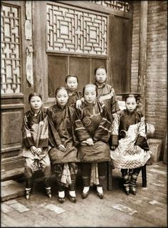 Young Chinese girls with bound feet, c. 1901