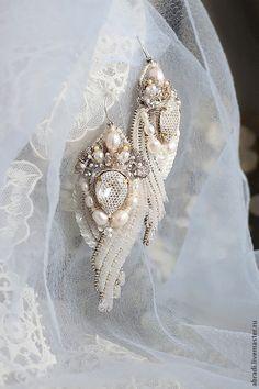 Серьги. - бледно-розовый, серьги, серьги ручной работы, серьги длинные, серьги с цветами Elena Abradi Россия, Москва Bead Embroidery Jewelry, Fabric Jewelry, Hair Jewelry, Beaded Embroidery, Jewelry Art, Bridal Earrings, Bead Earrings, Bridal Jewelry, Handmade Beaded Jewelry
