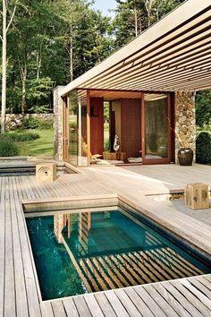 #zwembad #pool #swimming #jetstream #vlonders #steiger #hout #terrasoverkapping #poolhouse www.leemconcepts.nl