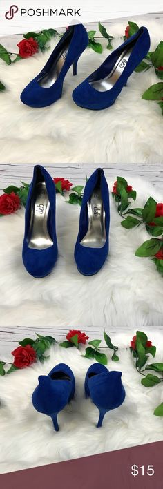 deb size 7 blue faux suede platform stilettos deb size 7 blue faux suede platform stilettos Like new (still have sale sticker on bottom) No box  B197 Deb Shoes Heels