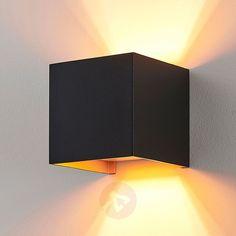 Hoekige LED wandlamp m. G9-lamp, zwart-goud-9621855-02 Led Lampe, Cafe Design, Chandelier Lighting, Lighting Design, Wall Lights, Home Decor, Cluster Pendant Light, Balcony, Backyards