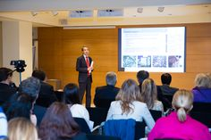Evento Puentes.RU Aspectos actuales de inversiones y residencia en España. El jueves pasado tuvo lugar el segundo evento organizado por la web Puentes.Ru para dar a conocer posibilidades de negocio entre las comunidad Española y Rusa.