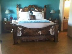 Wow!! Beautiful bed set