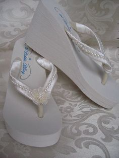 Items similar to Ivory Flip Flops or White Flip Flops Bridal Flip Flops Sandals with Pearls and Flowers on Etsy Wedding Flip Flops, Wedding Shoes, Wedding Dresses, Wedding Ideas, Wedding 2015, Wedding Fun, Wedding Decor, Slippers, Mariage