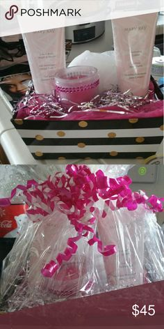 Super cute Mary Kay body Wow what an amazing gift already pre wrapped and ready to be handed out for the holidays this is a two and one body wash and shaving cream also a hydration lotion super cute candle loofah and an amazing crate it comes in Mary Kay Accessories