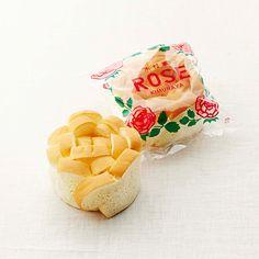 第3回 阪急パンフェア - 阪急百貨店くるくる巻いたパンがバラのよう。レトロなパッケージにキュン! 島根「木村家製パン」 ローズパン 214円