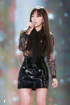Taeyeon shows off sexy side in sheer top and latex skirt Kpop Girl Groups, Korean Girl Groups, Kpop Girls, Kim Hyoyeon, Seohyun, Taeyeon Gif, Girls' Generation Taeyeon, Girls Generation, Kim Tae Yeon