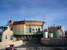 An earthship mansion! My dream home!