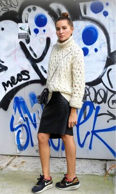 I've always wanted to try this kind of look; tight skirt & over-sized shirt/sweater. I'm just not so sure about it on me but I really like it!! @Who What Wear - 8 Secrets To Dressing Like A French Girl