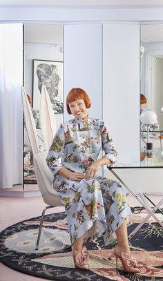 Minna Parikka Baut eine bunte Welt in Ihrem Helsinki Home Bathroom Shop, Diy Bathroom Decor, Master Bathroom, Helsinki, Color Trends, Design Trends, Design Ideas, Coffee Room, Glass Shower Doors