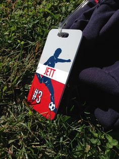 Represent the sport you love while safely identifying your sport bag or luggage with our bag tags, perfect for the soccer player, coach, or fan in your life.  This personalizable, laminated soccer bag tag comes in 3 sizes and can be personalized on the back with the valuable information of your choosing.