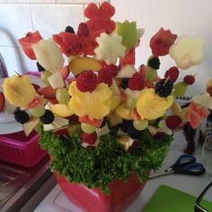 Krásna ovocná kytica, ktorú vytvorila naša zákazníčka.
