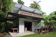 A Queensland based building design company with a focus on sustainable inspired designs for living, Minimalist design with the environment and family life playing a key element in the design solution Building Code, Building Design, Sustainable Architecture, Sustainable Design, House Exterior Color Schemes, Nachhaltiges Design, Metal Cladding, Backyard Studio, Australian Architecture