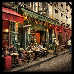 Terasses of Montmartre (Place du Tertre, Paris) one of my absolute favorite places in France! Paris France, Paris 3, France Cafe, I Love Paris, Montmartre Paris, Paris Travel, France Travel, Place Du Tertre, Places To Travel