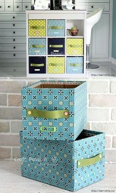 Making Customized Storage Bins from Cardboard Boxes - Her Crochet Cardboard Furniture, Cardboard Crafts, Diy Furniture, Cardboard Boxes, Desk Organization Diy, Diy Desk, Fabric Storage Boxes, Storage Bins, Coin Couture