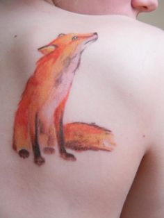 Watercolor inspired fox tattoo. I love the coloring