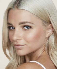 P/Y/T Beauty Heart Beat Cheek Color - Headrush - peachy coral w/ golden shimme Elisha Cuthbert, Wedding Make Up Inspiration, Pixie, Modelos Fitness, Color Your Hair, Puffy Eyes, Shoulder Length Hair, Blonde Highlights, Blonde Balayage