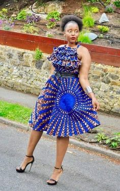 Short African Dresses, Latest African Fashion Dresses, African Print Dresses, African Print Fashion, Skirt And Top Set, African Traditional Dresses, African Attire, Ideias Fashion, The Dress